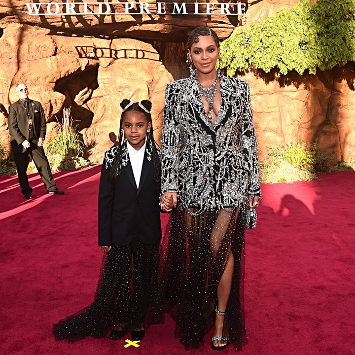 The mother-daughter duo looked stunning.