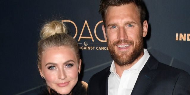 Julianne Hough and Brooks Laich in Los Angeles, in August 2019. (Frazer Harrison/Getty Images, File)
