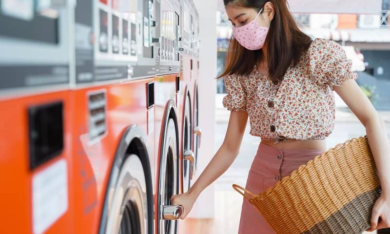 Precautions You Should Take While Doing Laundry in Public