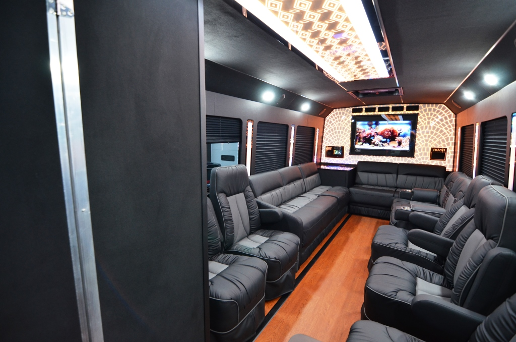 F550 16 Passenger Bus