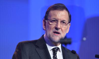 "Rajoy ""destituye"" a Puigdemont"