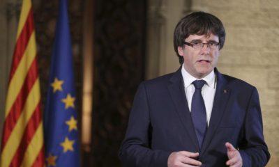 """Puigdemont pide a catalanes """"mantener la paz"""""""