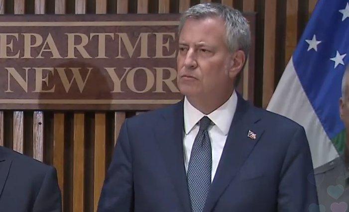 Bill de Blasio hablando sobre el tiroteo en Nueva York