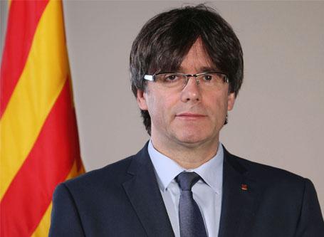 Emiten orden internacional de detención contra Puigdemont
