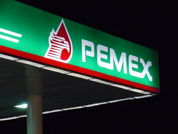 Pemex podrá aumentar gasolinazo en 2018