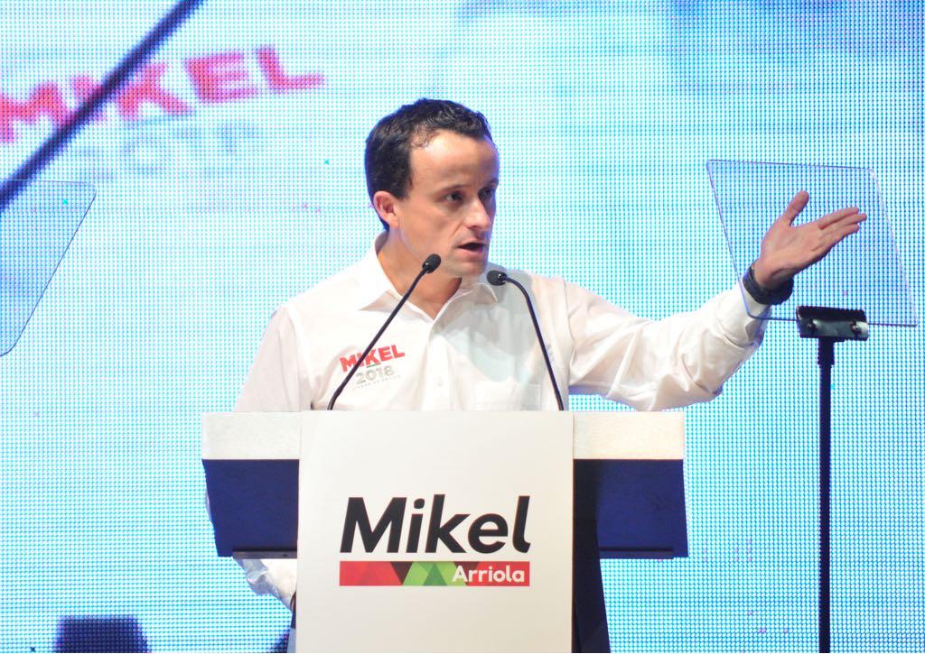 Mikel Arriola LGBTTTI