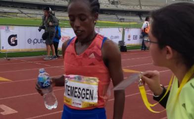 Etaferahu Woda Temesgen de Etiopía, fue la ganadora del #MaratonCDMX en la categoría femenil