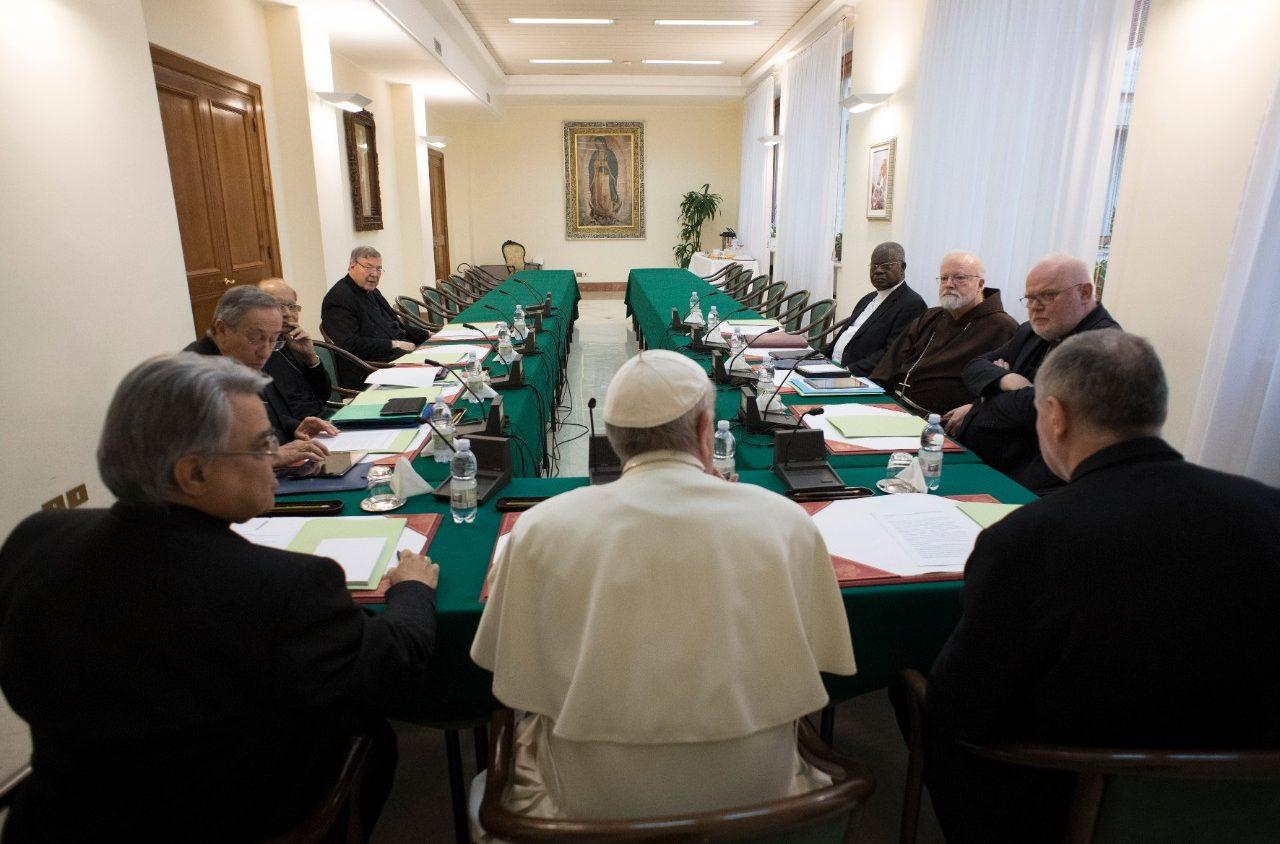 Papa convoca a cumbre contra abuso sexual a menores