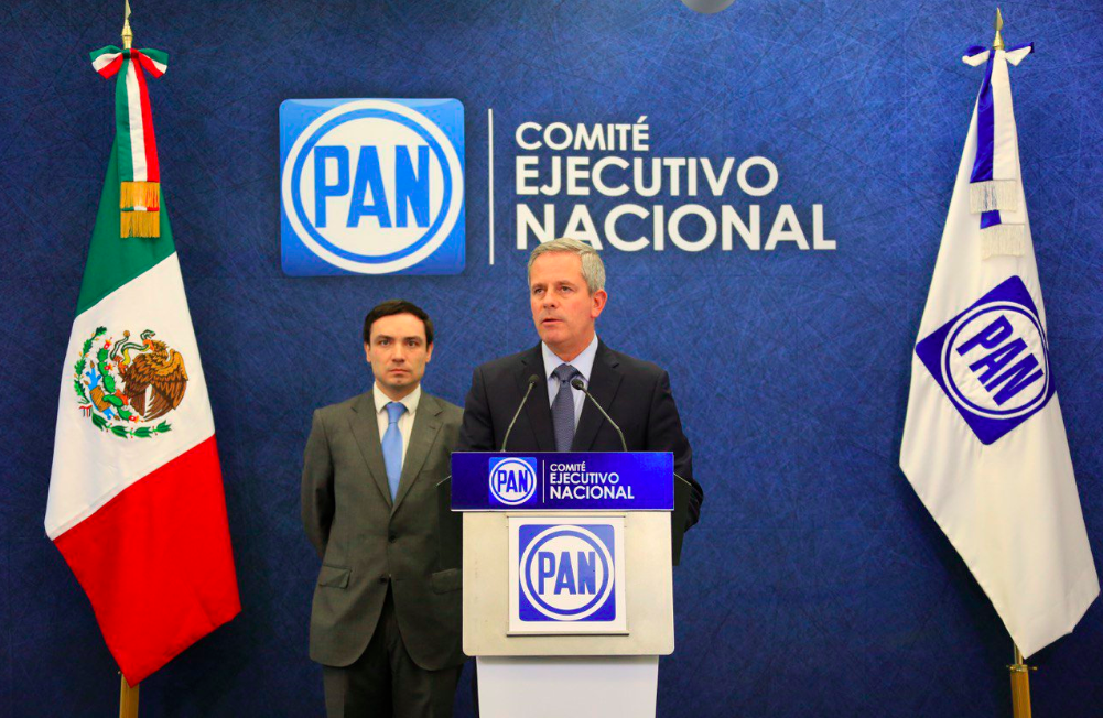 dictador AMLO PAN