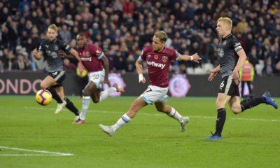 Remate a gol del Chicharito con el West Ham