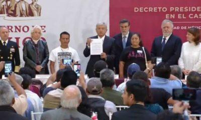 AMLO firma un decreto de la comisión para buscar la verdad sobre el caso Ayotzinapa