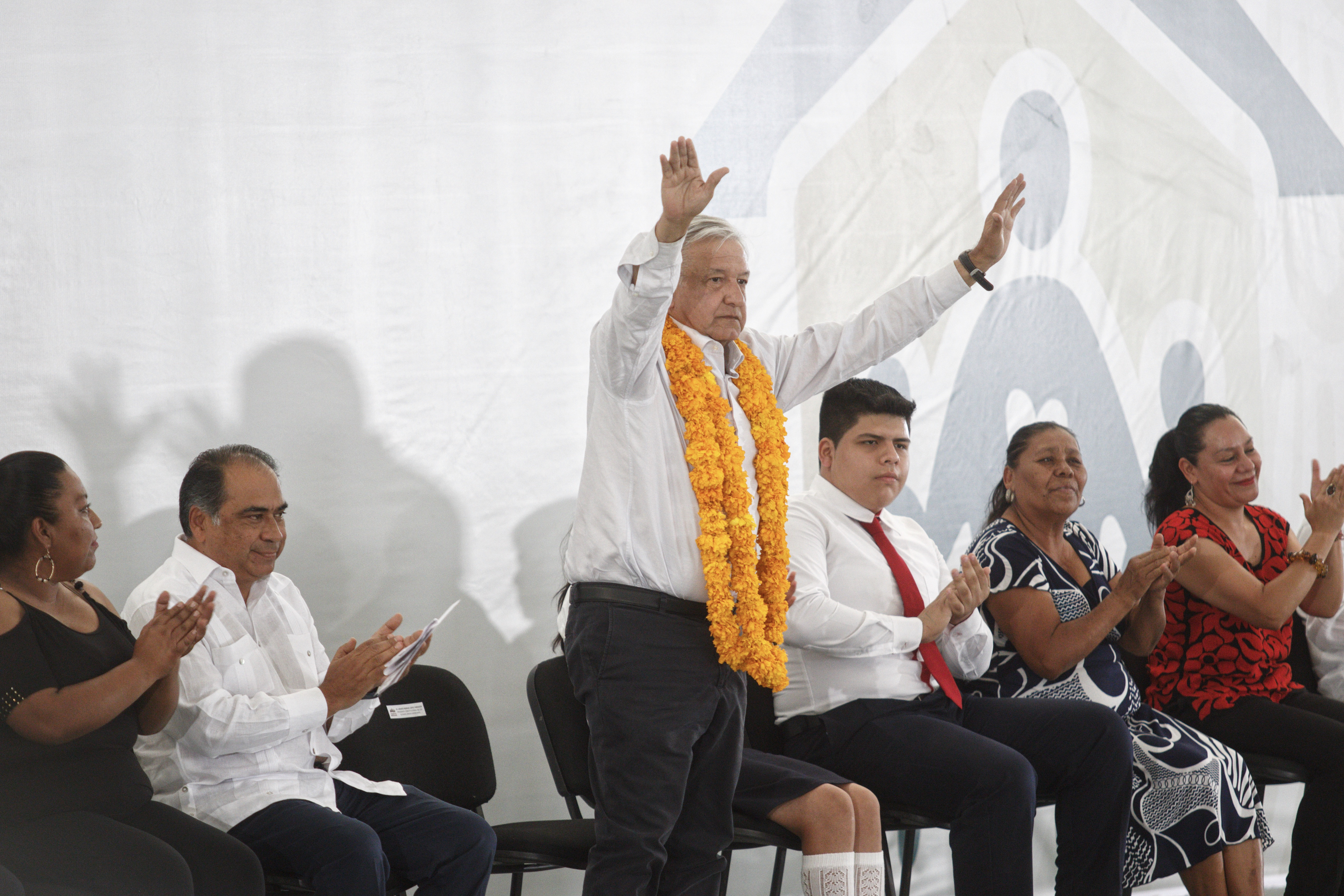 AMLO, Ayotzinapa, Iguala, Becas, Jovenes