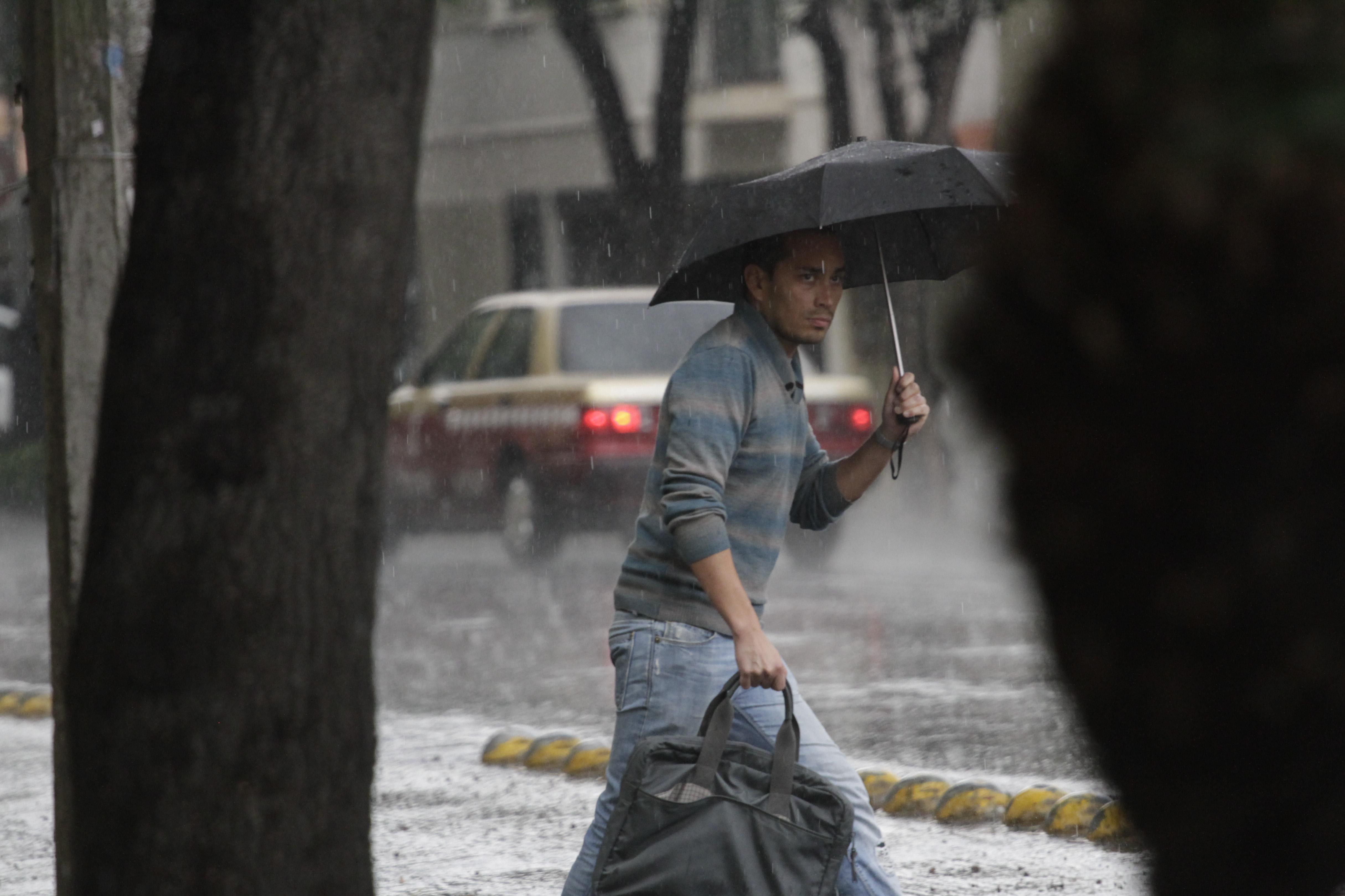 Pronostican lluvias en 21 estados del país