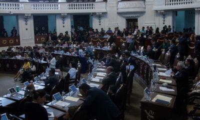 Integrantes de Comités Ciudadanos irrumpen en el Congreso local