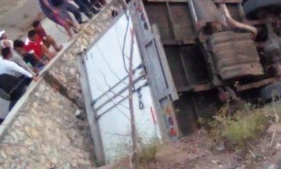 Migrantes, muertos, heridos, volcadura, Chiapas, carretera, migrantes, personas, barranco,