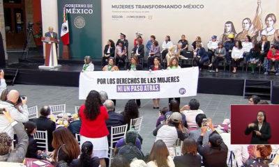 Día de la Mujer, Mujer, Mujeres, Amlo, Andrés Manuel López Obrador, Andrés Manuel, López Obrador, Protesta, Palacio Nacional,