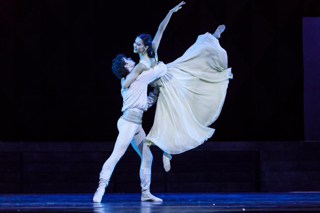 Elisa Carrillo va por el Benois de la Danza