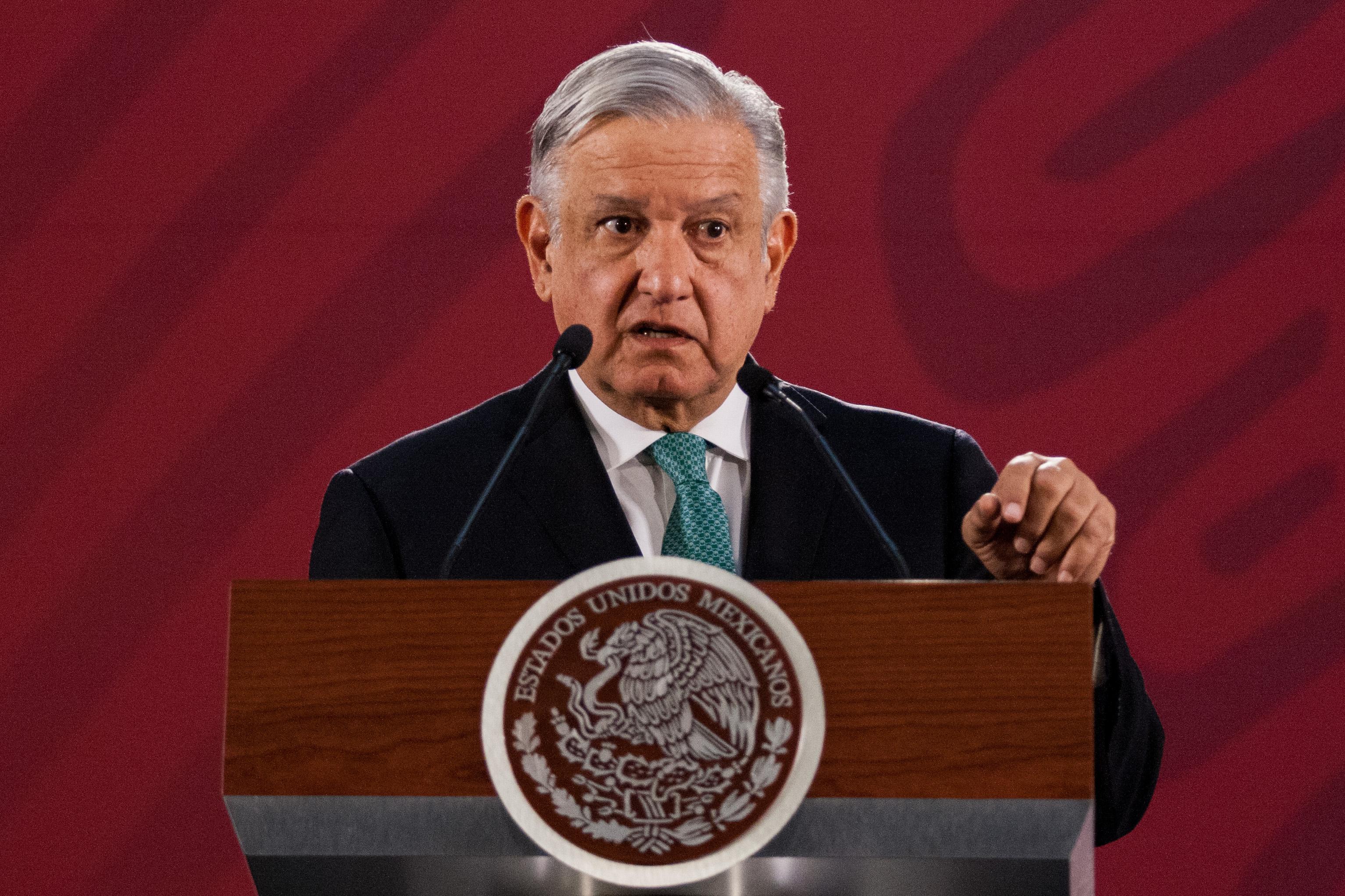 AMLO integrará programas para la población migrante/ La Hoguera