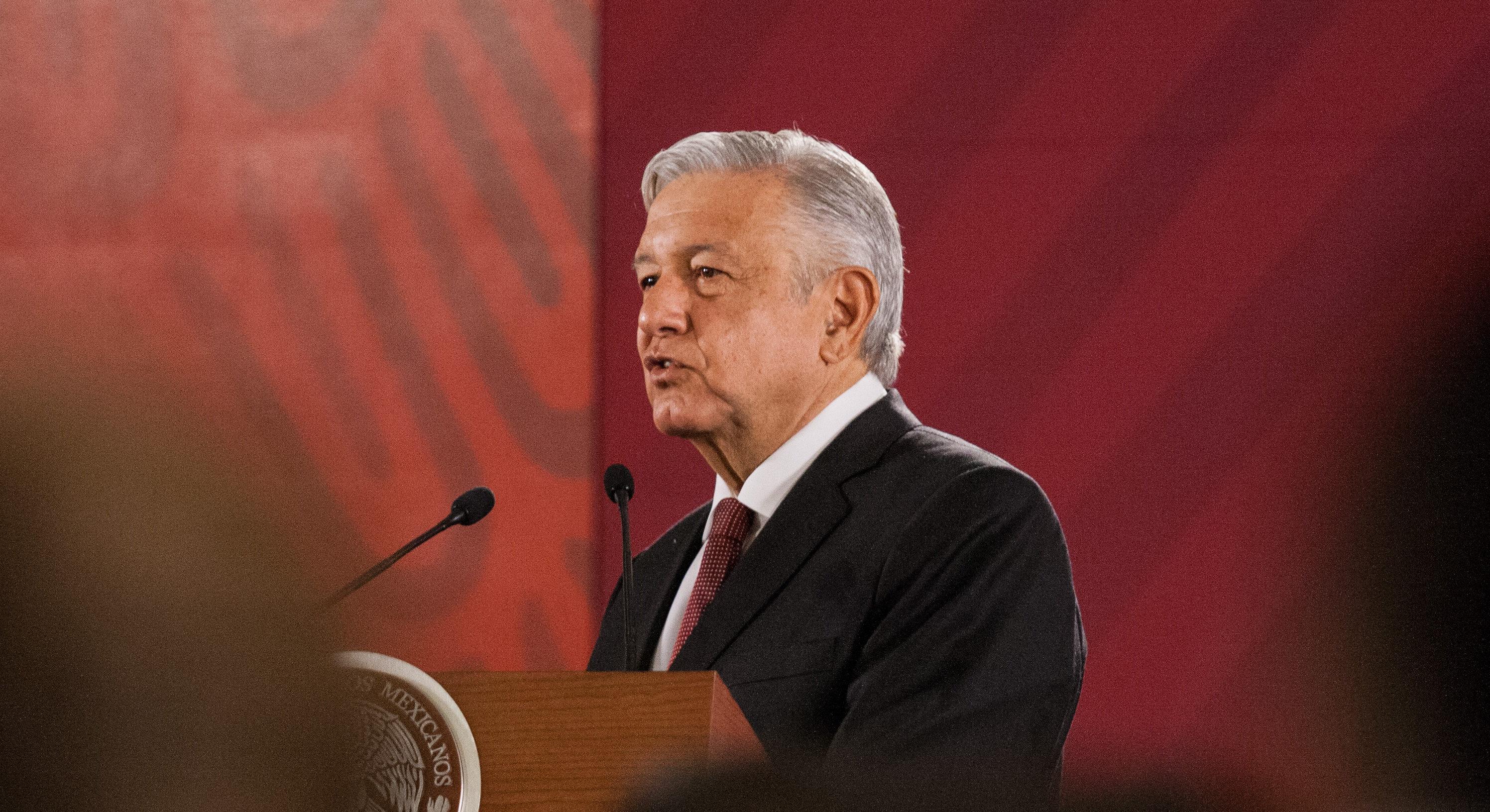 El presidente dialoga con todo mundo, menos con el canciller