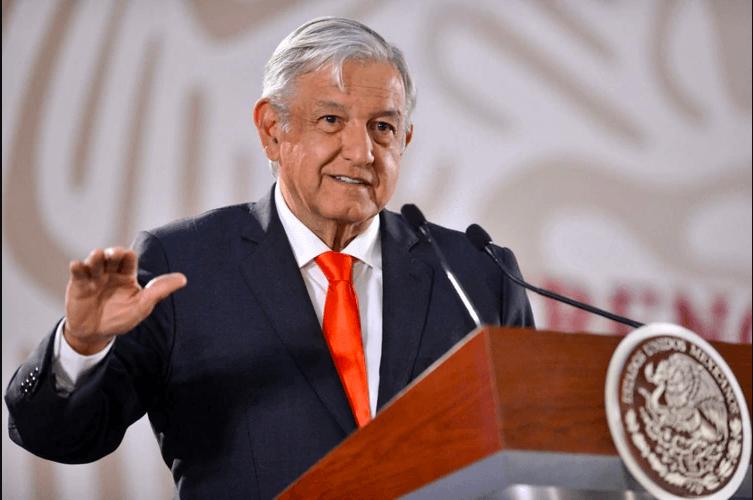 AMLO promete a la CNTE saldar deudas de pago en 2 meses
