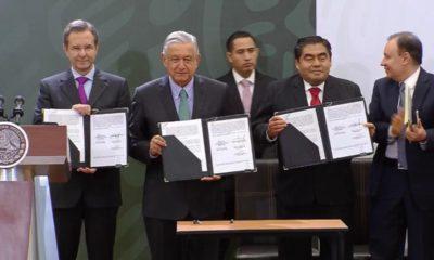 Inician AMLO y Moctezuma 'La escuela es nuestra' en Puebla