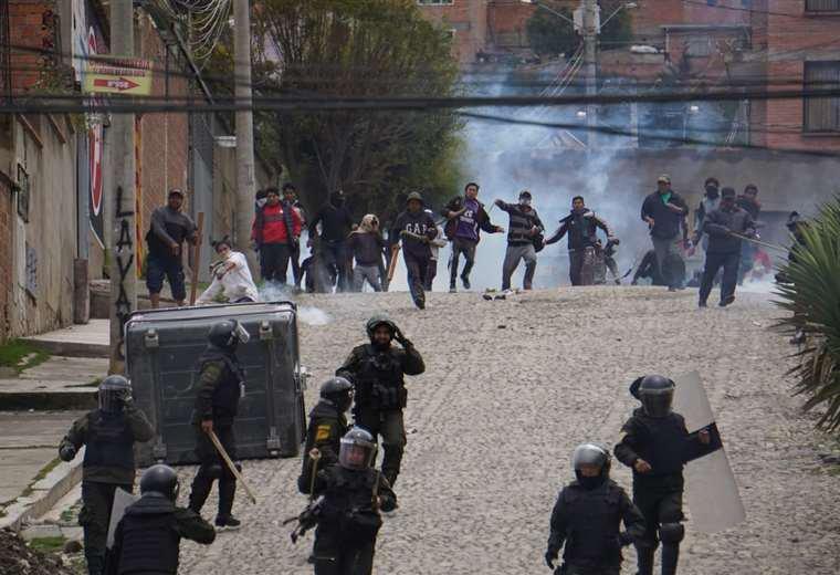 Sube a 10 los muertos en enfrentamientos en Bolivia