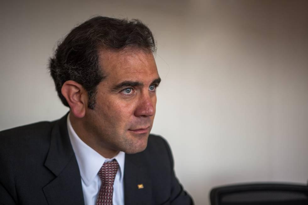 Lorenzo Córdova se pronuncia a favor de regulación de recursos a partidos políticos
