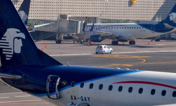 AeroMéxico investiga a capitán que pidió a AMLO por aeropuerto de Texcoco