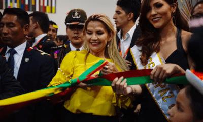 Áñez amenaza a Evo Morales con orden de aprehensión