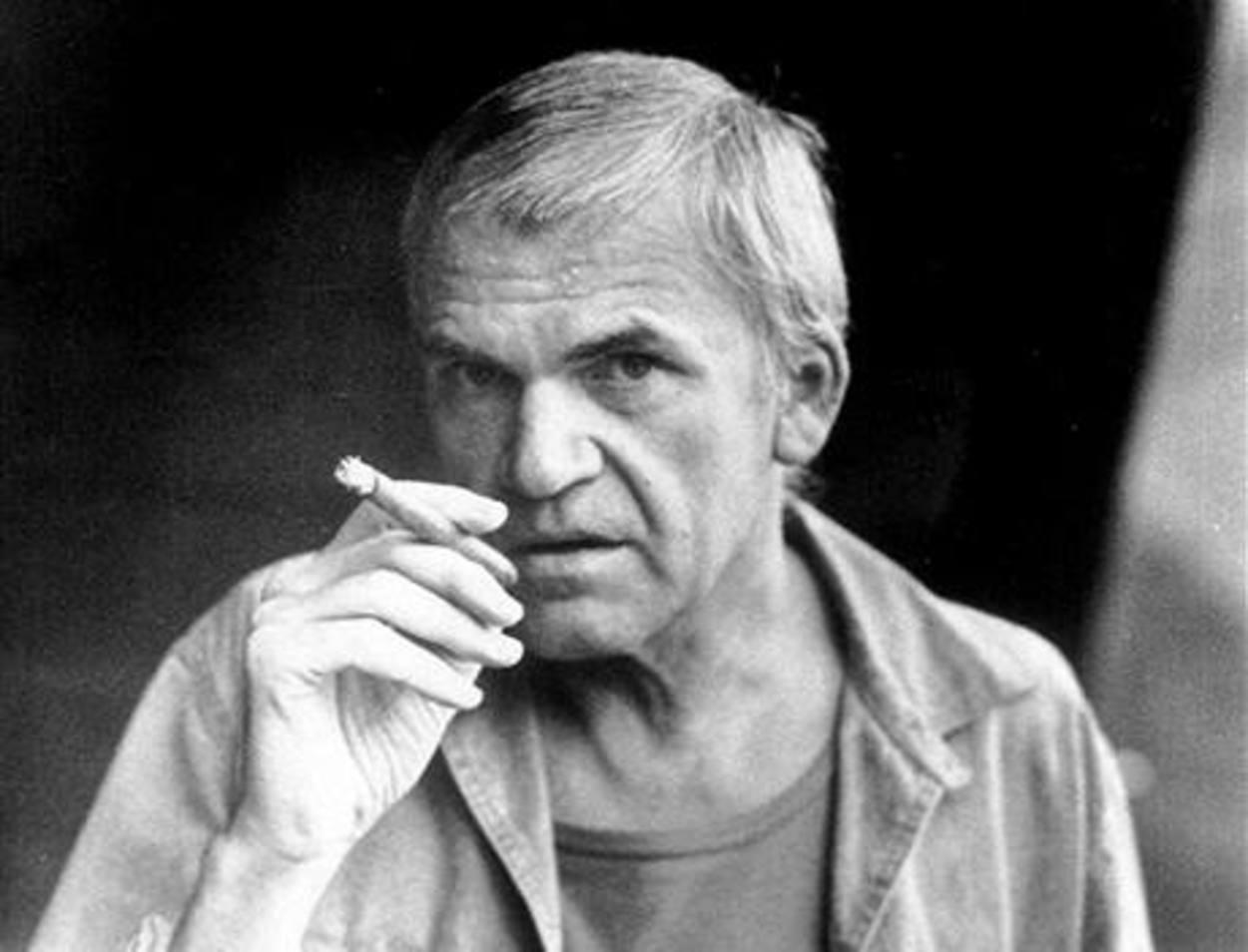 Kundera recupera nacionalidad checa