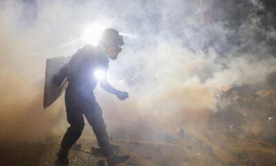 Policía de Hong Kong lanzó gas lacrimógeno a manifestantes