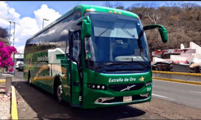 Normalistas de Ayotzinapa toman tres autobuses en Guerrero