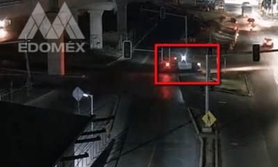 Presuntos policías golpean a automovilista en Ecatepec