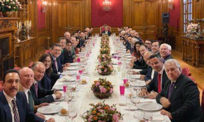 AMLO ofrece comida para gabinete y gobernadores en Palacio Nacional