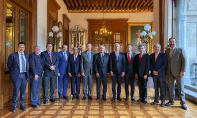AMLO y gobernadores priístas definen acuerdo sobre el Insabi