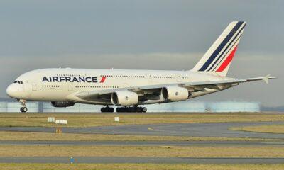 Hallan cadáver de un menor en tren de aterrizaje de avión en París
