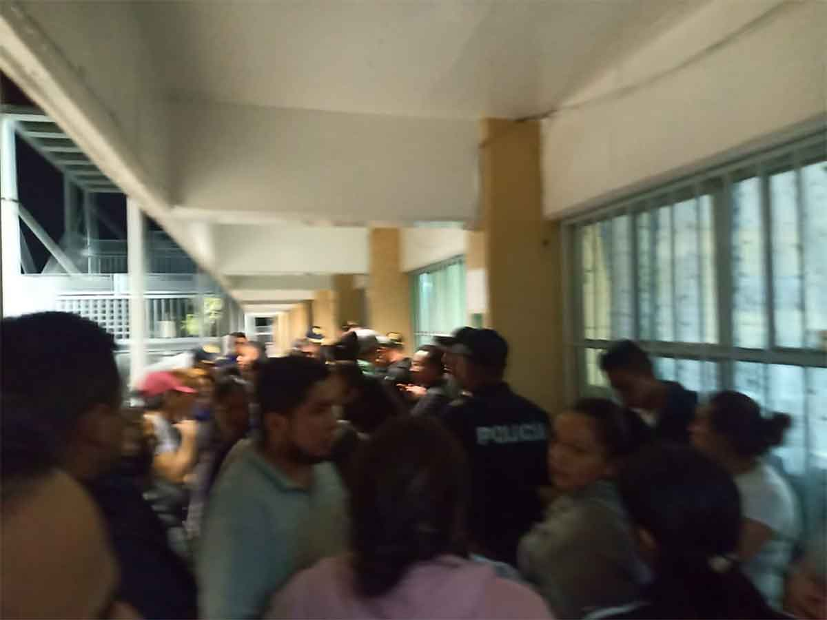 Acusan a conserje de violar a menor en escuela de Álvaro Obregón