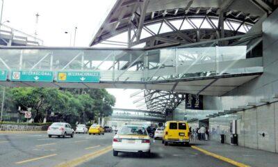 Detienen a 5 por robos en aeropuerto de la CDMX