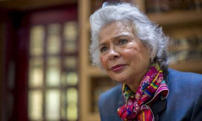 Sánchez Cordero se suma al paro feminista del 9 de marzo