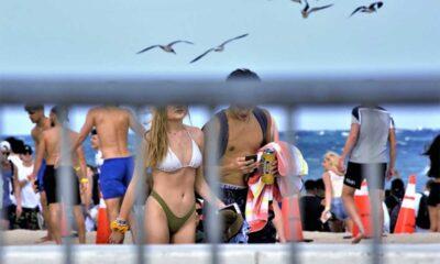 28 jóvenes que viajaron a Cabo San Lucas dan positivo a Covid-19