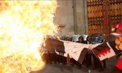Mujeres, Marcha, Protesta, 8M, Zócalo, Policía, Bomba, Molotov, PEtardos, Fuego, Feministas,