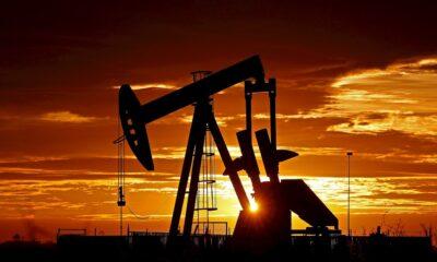 Miembros de la OPEP acuerdan reducir a 9.7 millones de barriles la producción de petróleo