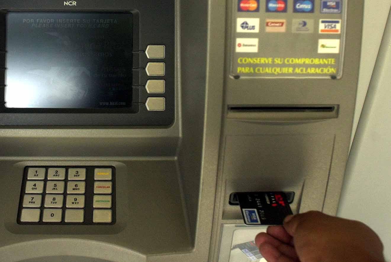 SSC detienen a ocho hackeadores de cajeros automáticos en CDMX