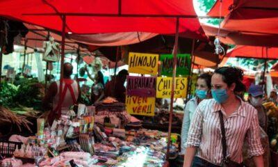 Suspenden 64 tianguis en Neza por emergencia sanitaria