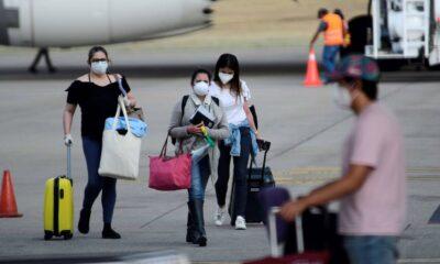 Reino Unido anuncia que pondrá en cuarentena a todos los que lleguen del extranjero