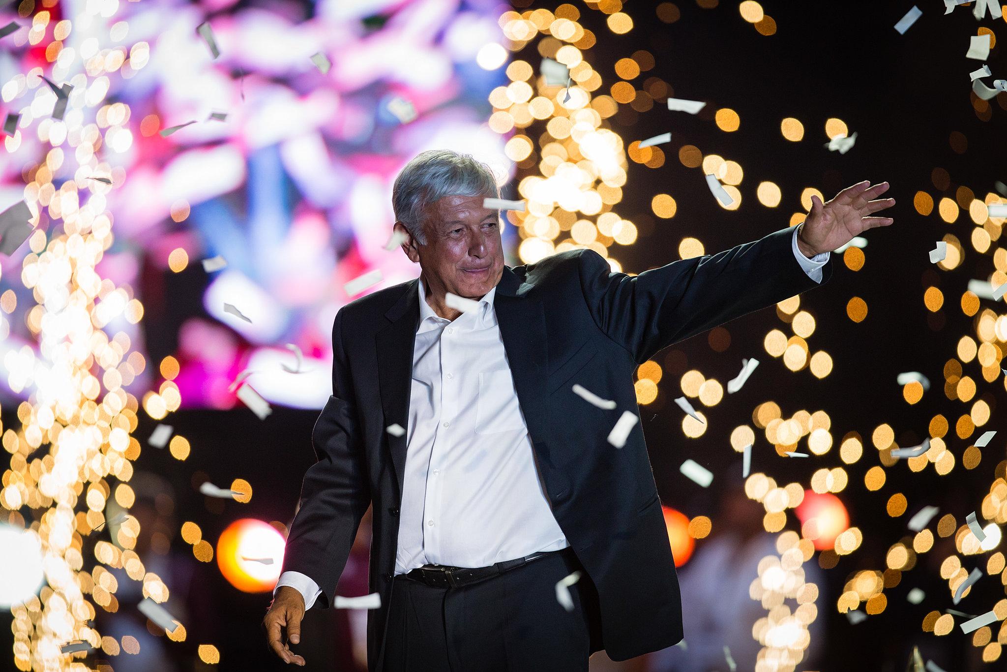 Funcionarios celebran segundo aniversario del triunfo electoral