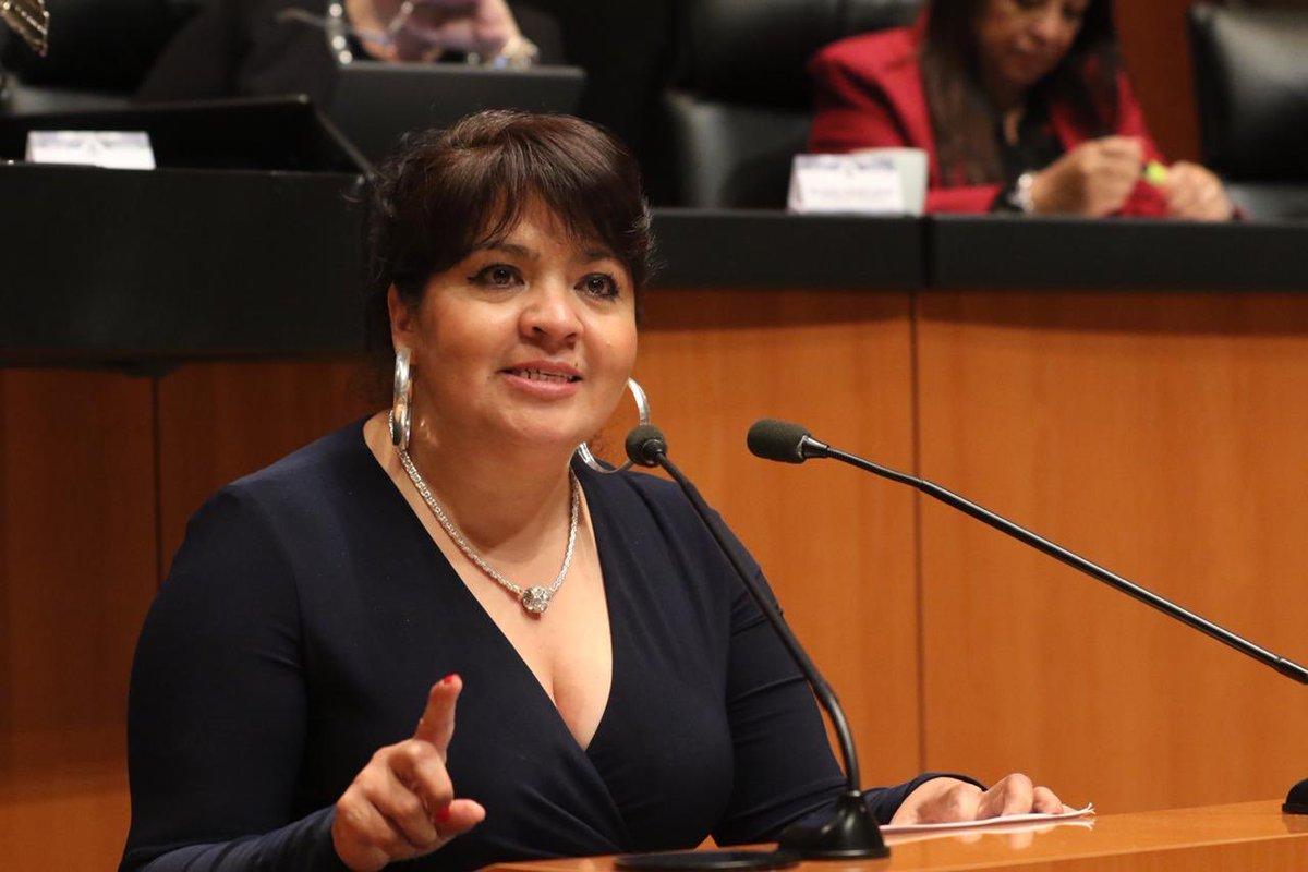 Monreal confirma que Nestora Salgado fue dada de alta tras padecer Covid-19