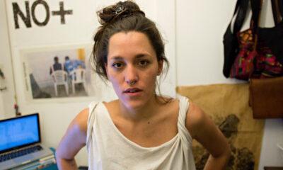 Artista deja España por amenazas tras declarar sobre el racismo en monumentos coloniales