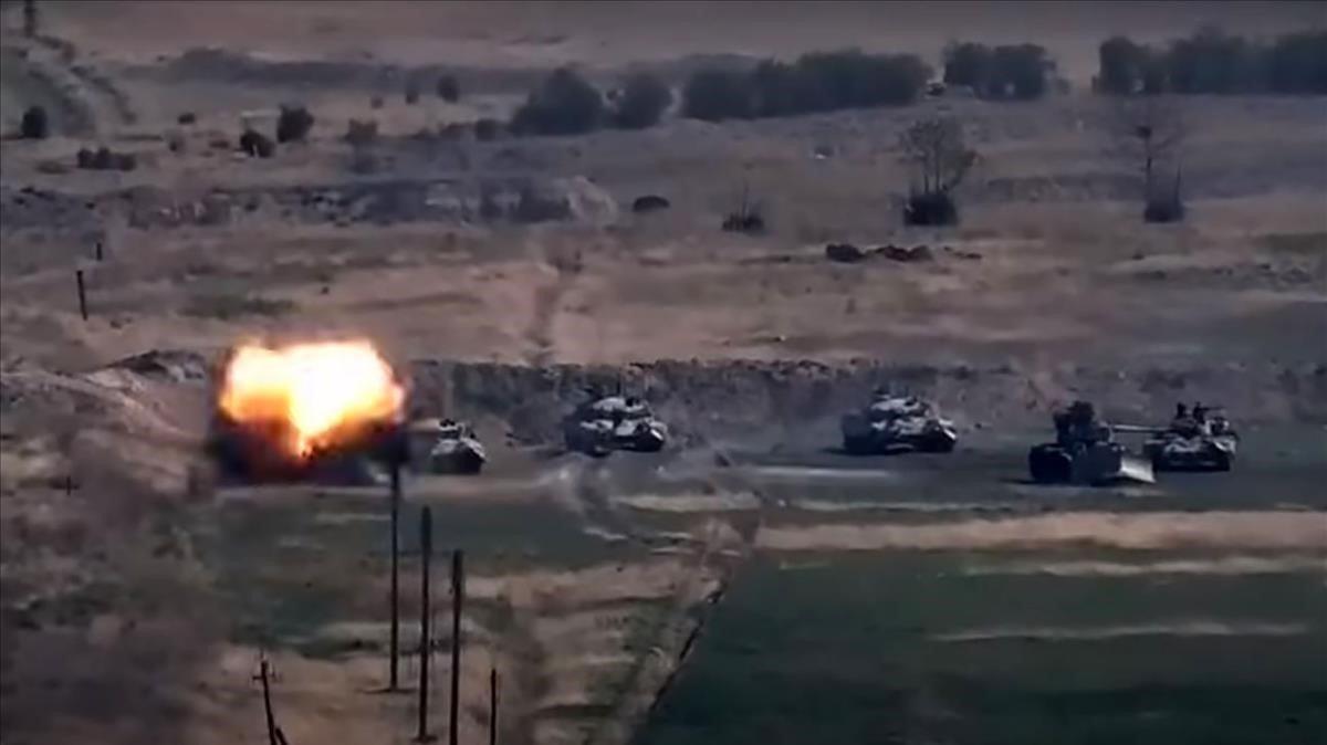 Azerbaiyán y Armenia entran en guerra; se reportan las primeras muertes