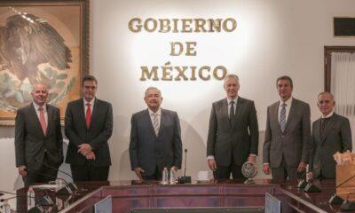 En medio de campaña antichatarra, AMLO recibe a director mundial de Coca-Cola